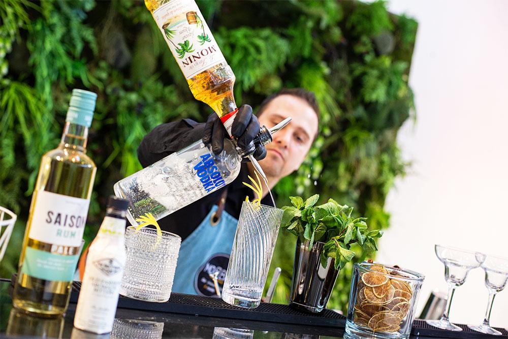 barman à domicile et bar à cocktail mobile
